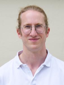 Dr. Christoph Karmeinsky